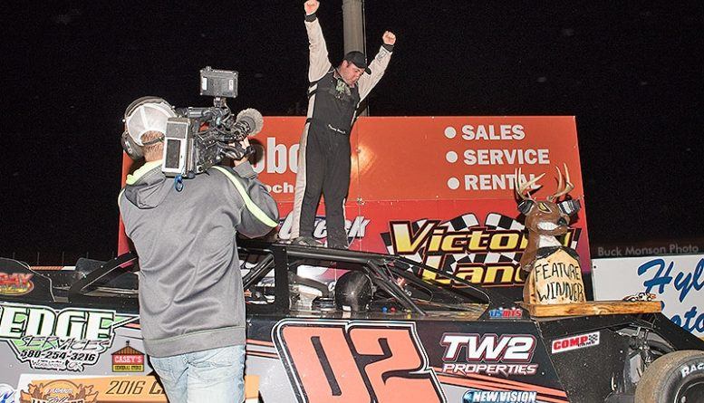 Weder on top of Modified world, wins 18th Annual Featherlite